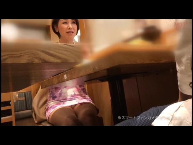 勇気あるナンパ 年の差15歳以上の可愛い熟々おばさんをゲット!!22_01