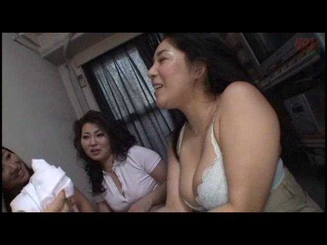 孤高の熟女ち○ぽハンター SEXに飢えて常にマ○コを濡らすオンナたち13人_01