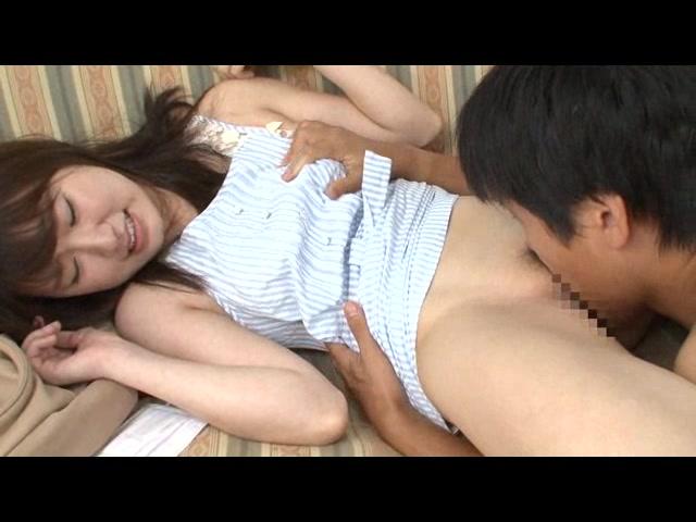 未成熟な彼女が初めてイッた夏… 全身ガクガク感電SEX_01